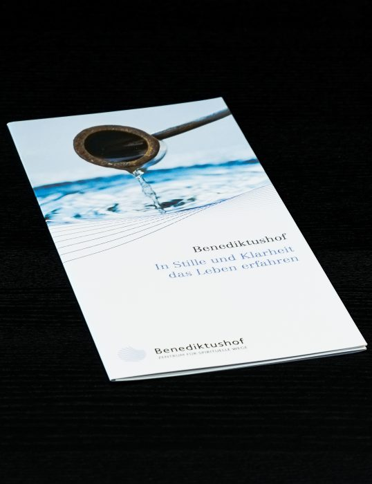 Benediktushof Imageflyer Print jos büro für Gestaltung Würzburg