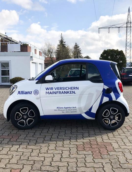 Allianz Autobeklebung Seitenansicht